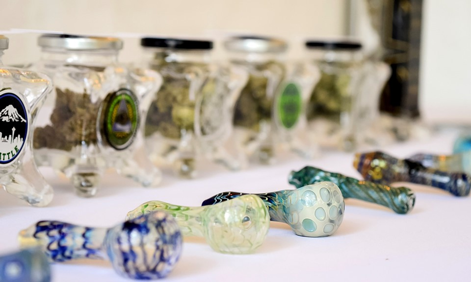 Want A Cannabis Bar At Your Wedding Here S How One