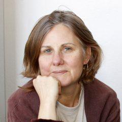 Ellen Komp's Bio Image