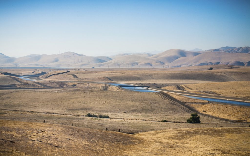 The California aqueduct, the central component of the California State Water Project, moves fresh water down the state from Northern California into the irrigation networks of the central valley and into the Southern California. Image via Metropolitan Water District