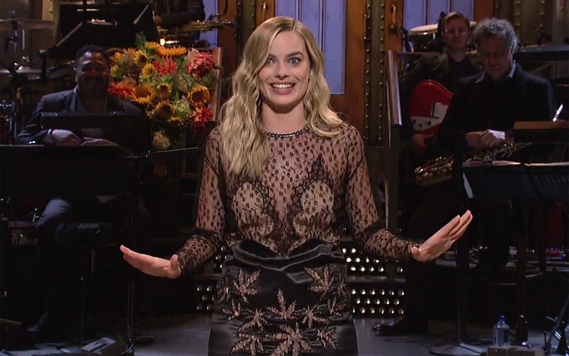 Check Out Margot Robbie's Cannabis Leaf Dress on SNL