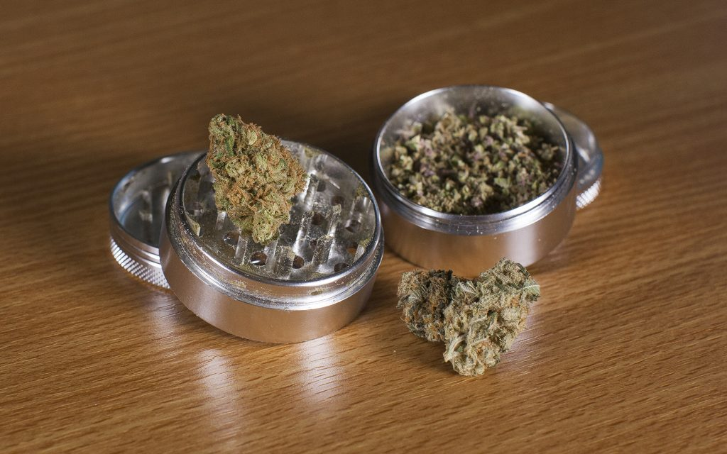 What is a Grinder and How Do You Use It for Cannabis?