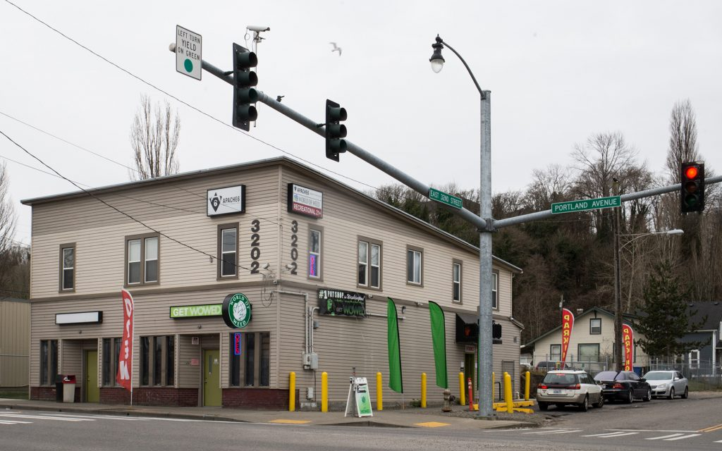 World of Weed in Tacoma, WA - One of the best dispensaries from Leafly List 2016