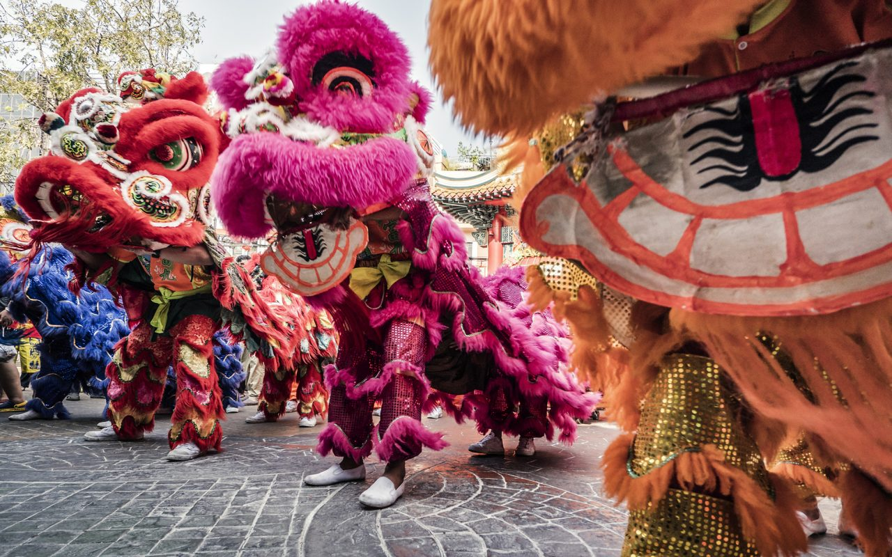 Lunar New Year: Millions welcome the Year of the Rooster
