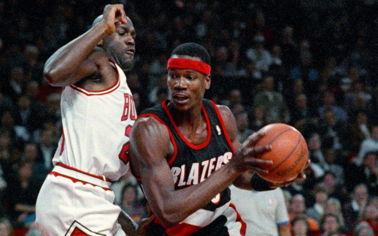 Former NBAer Cliff Robinson Debuts Uncle Cliffy Pre Rolls in