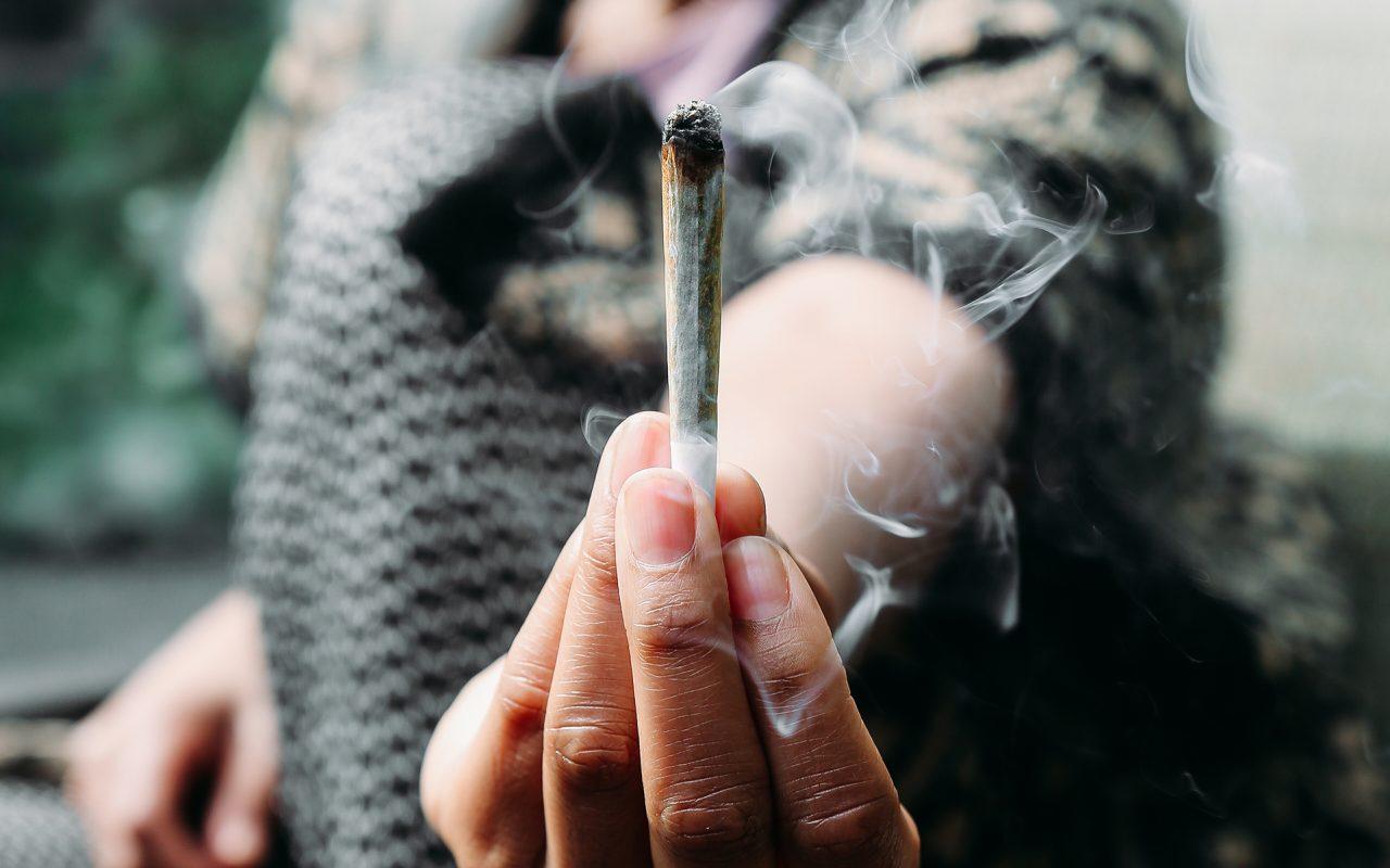 Non Smoker Hookup A Weed Smoker