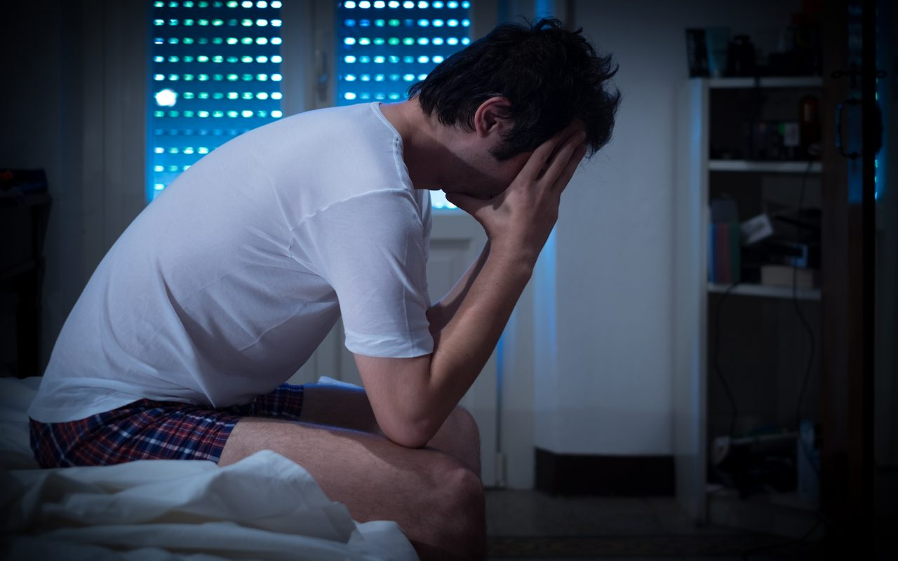 withdrawal syndrome Withdrawal from normal dosage benzodiazepine treatment can result in a number of symptomatic patterns the most common is a short-lived rebound anxiety and insomnia, coming on within 1-4 days of discontinuation, depending on the half-life of the particular drug.