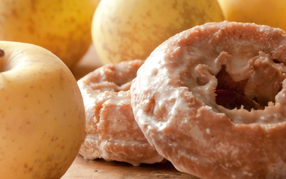 Recipe: Baked Apple Donuts With Maple-Cannabis Glaze