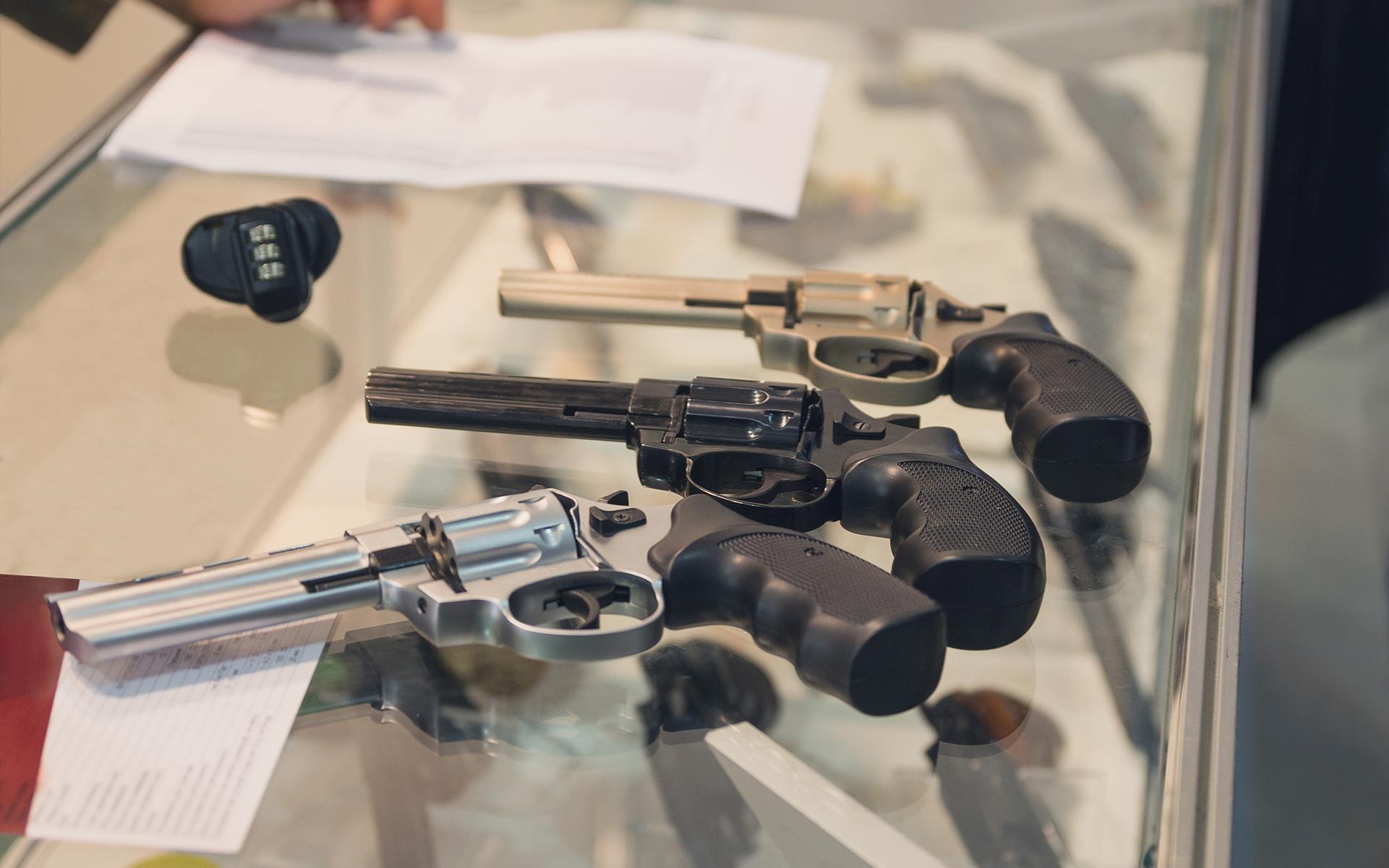Delaware Officials Eye Gun Ban for Cannabis Consumers