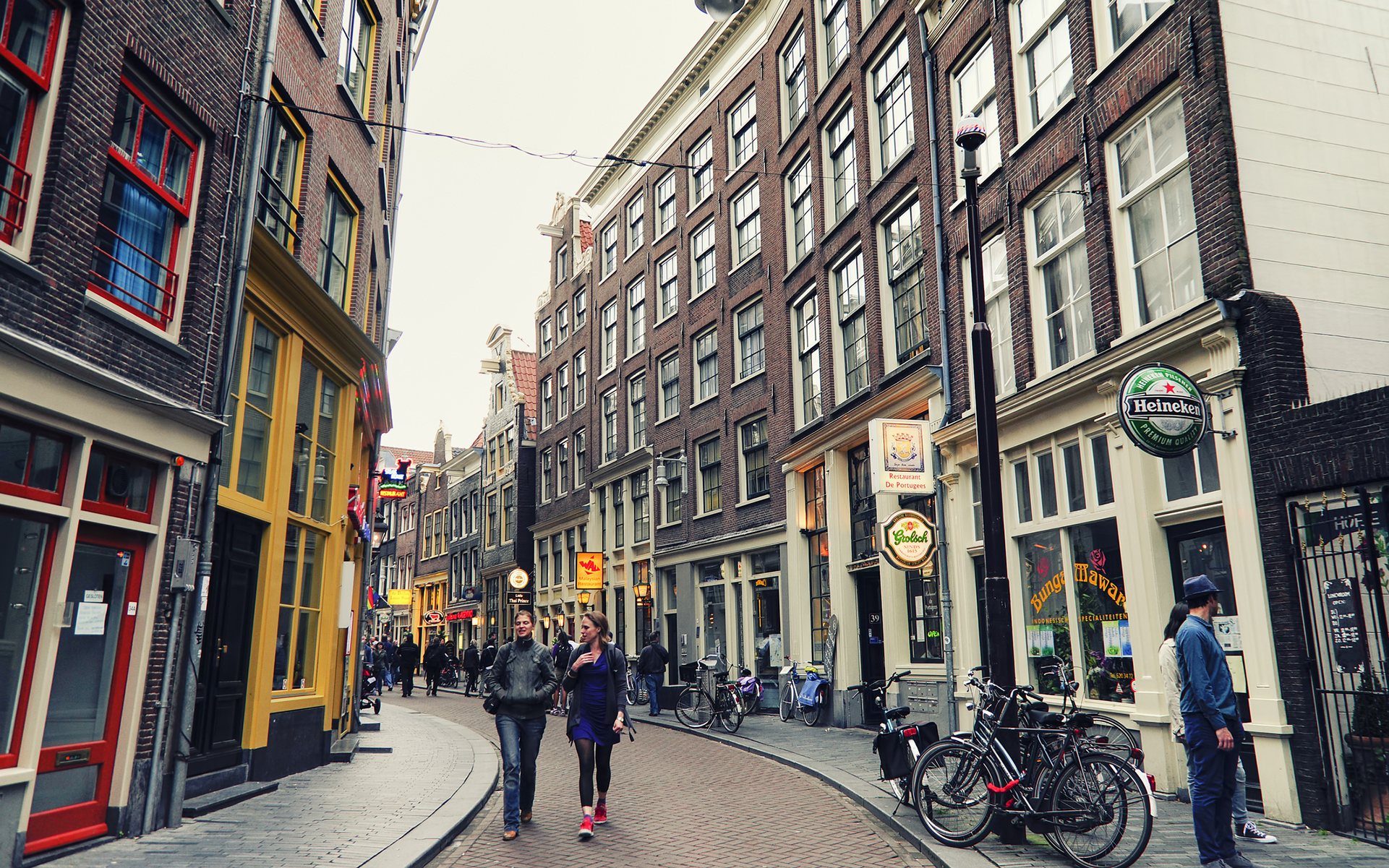 The People You Meet in Amsterdam Coffeeshops Intro | Leafly