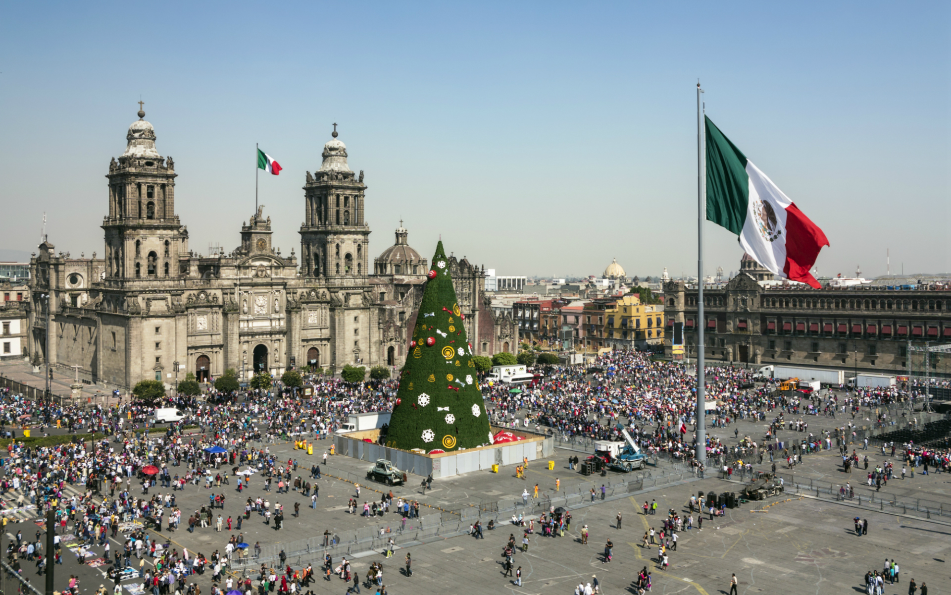 Mexico's Tourism Secretary Floats Idea of Legalizing