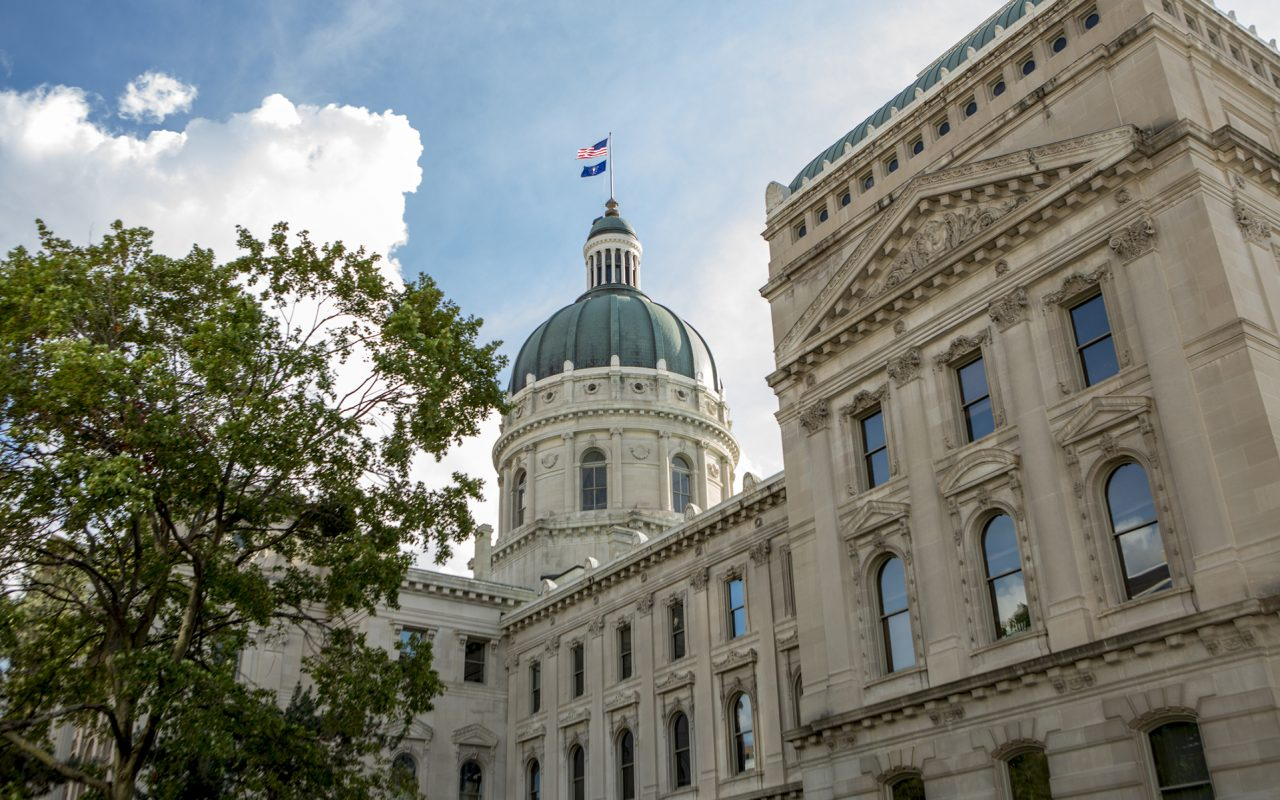 Doctor, Storeowner Approve of Indiana's New CBD Oil Law - Leafly - 웹