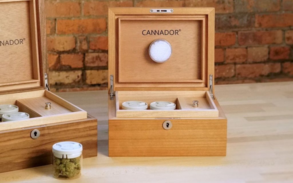 How to keep your weed fresh: Cannabis humidors and Cannador.