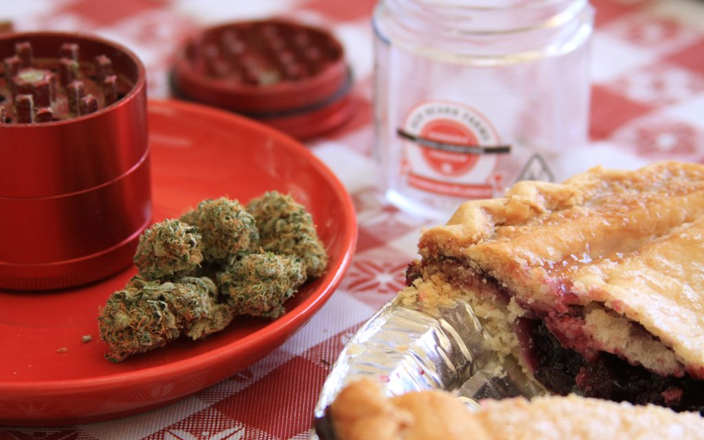 sweet weed strain that tastes like dessert: blueberry pie
