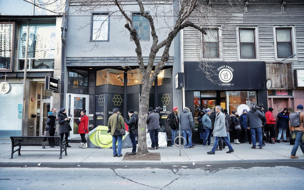 Meet the First Person in Line for Toronto s First Legal Cannabis Store 3a5353283
