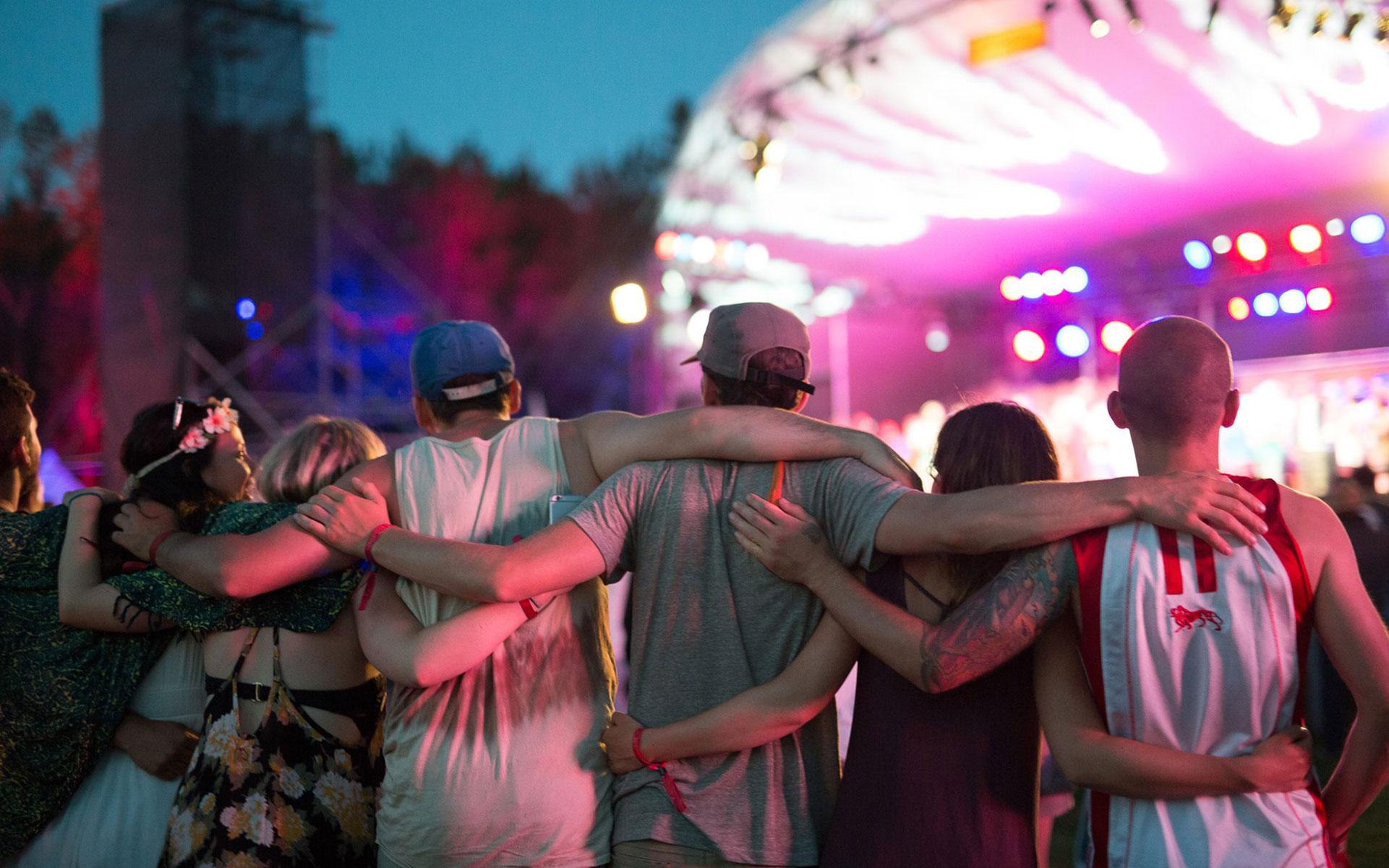 Manitoba Concert Goers Spark Up Despite Steep Fines thumbnail