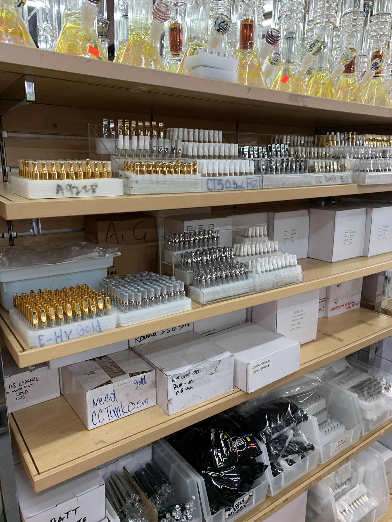 Every type of vape cart, for wholesale in downtown LA. (David Downs/Leafly)