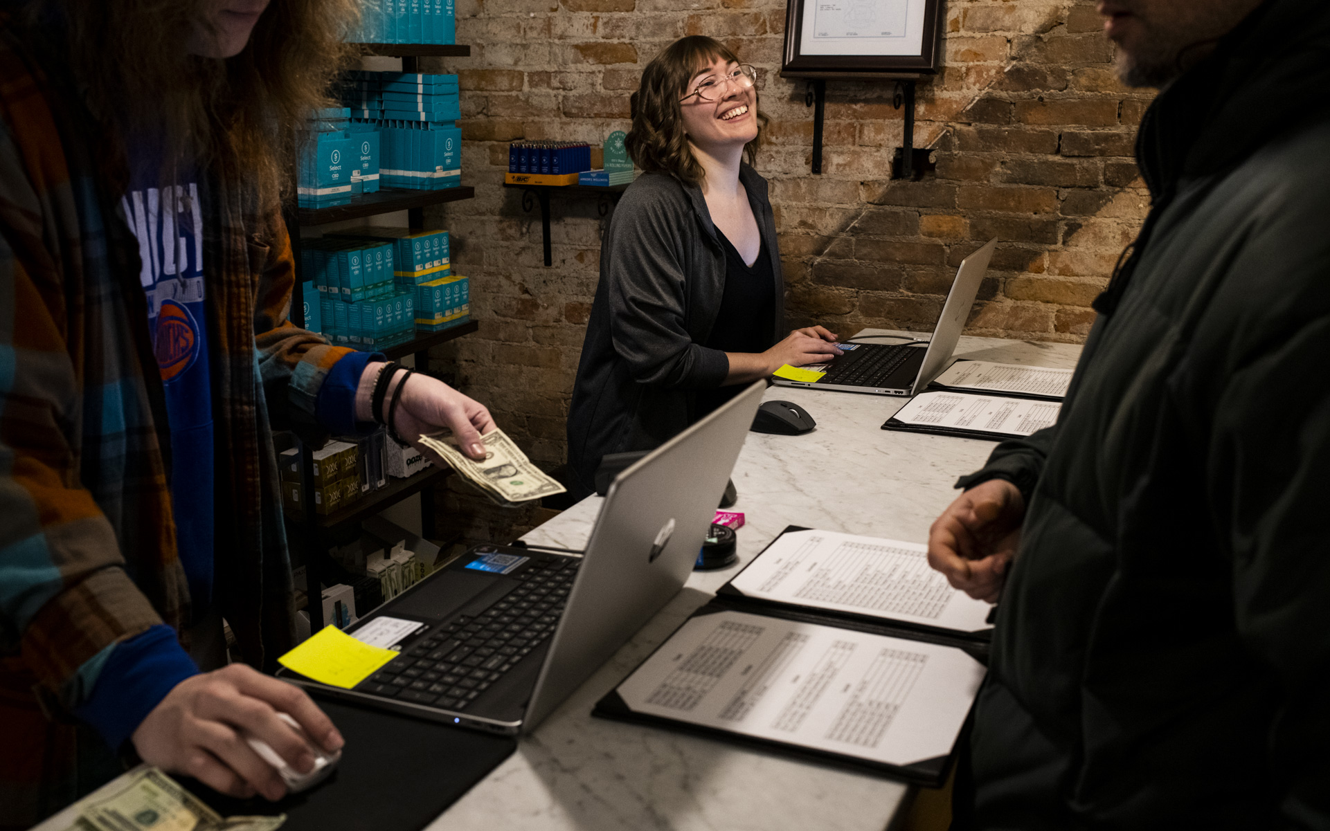 Michigan celebrates first legal cannabis purchases thumbnail